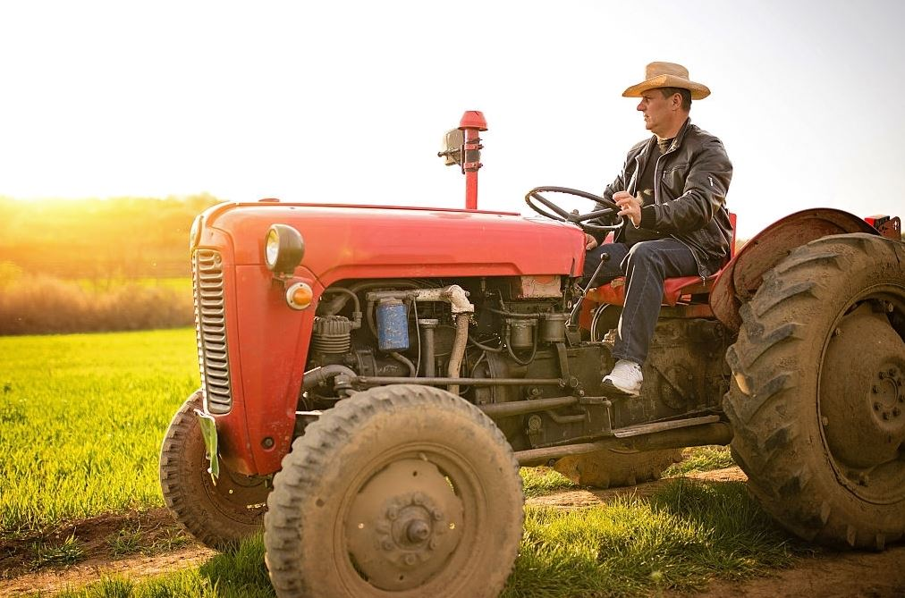 Seguro obligatorio tractor: 3 Características importantes