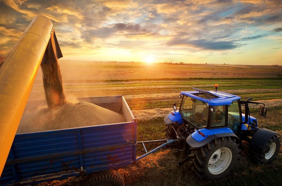 Seguro vehículo agrícola: 3 ventajas de la póliza